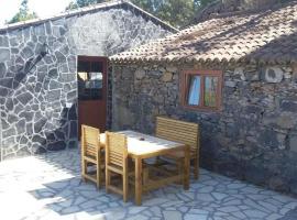 Sunset stone house, Garafía