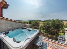 Three-Bedroom Holiday Home in Starici, Dračevac