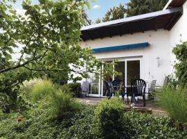 One-Bedroom Holiday home Kelkheim-Eppenhain with a Fireplace 08, Vockenhausen (Eppstein yakınında)