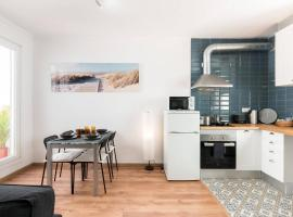 Sunny atic with terrace - Close to Camp Nou and Bcn Fair
