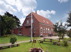 Eight-Bedroom Holiday Home in Glesborg, Glesborg (Bønnerup yakınında)