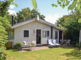 Three-Bedroom Holiday Home in Esbjerg V, Esbjerg (Hjerting yakınında)