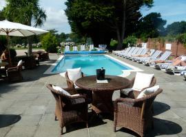 Beachcombers Hotel, Ст. Хейлир Джерси (рядом с городом Gorey)