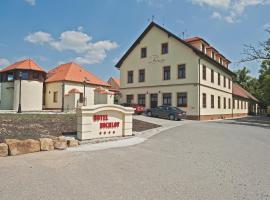 Hotel Buchlov, Buchlovice (Staré Hutě yakınında)