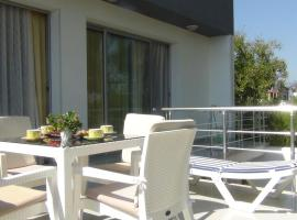 Magic Beach Apartments, Girne (Ayios Yeoryios yakınında)