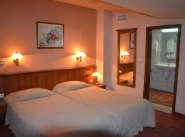 Seven Hills Hotel