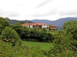 Hotel Casona Cuervo, San Tirso de Candamo (San Román yakınında)