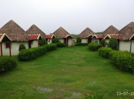 Rann Village Resort, Bherandiāla (рядом с городом Dhordo)