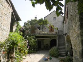 Maison de famille aux portes des Gorges du Tarn, La Cresse
