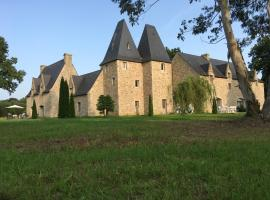 """Manoir de Pléac Gîte """"Le Cèdre"""", Комбур (рядом с городом Dingé)"""