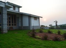 3-BR homestay in Chikkamagaluru, by GuestHouser 25402, Bālehonnūr