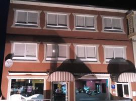 Hospedaxe-Cafeteria Don Manuel, O Vicedo (O Barqueiro yakınında)