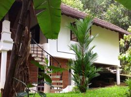 Villa with pool in Thiruvananthapuram, by GuestHouser 31270