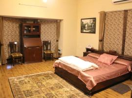 Farmhouse with a garden in Gurgaon, by GuestHouser 57325