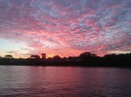 Acclaim Rose Gardens Beachside Holiday Park, Albany (King River yakınında)