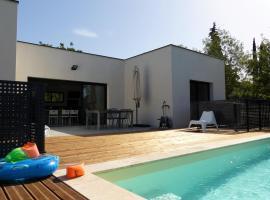 Villa piscine Sud France, Verzeille