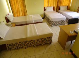 Panama Hotel Ltd, Моши