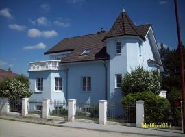Modry Dum Hluboka nad Vltavou, Hluboká nad Vltavou (Dobřejovice yakınında)