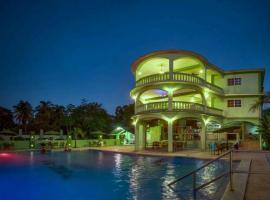Midas Resorts, San Ignacio (Santa Familia yakınında)