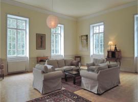 Eight-Bedroom Holiday Home in Oparany, Opařany (Sepekov yakınında)