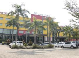 M One Hotel, Богор (рядом с городом Cikeas)