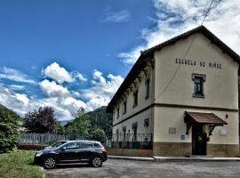 Albergue Juvenil de Bustiello, Bustiello (Cenera yakınında)