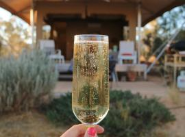 Squeakywindmill Boutique Tent B&B, Alice Springs