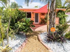Palms on 7 - Cottage 1!