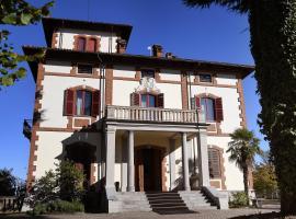 Villa Conte Riccardi, Rocca D'Arazzo