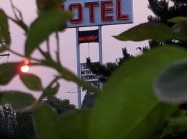 Falcon Nest Motel, Duncan