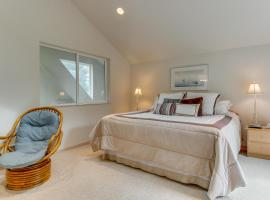Shoal Bay Luxury Home, Port Stanley