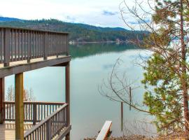 Beautiful Lake Coeur d'Alene Cabin On The Bay, Mica