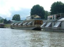The Shelter Group of Houseboats, Srinagar