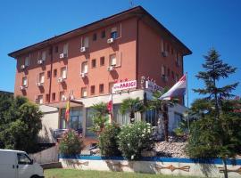 Hotel Parigi, Castel San Pietro Terme (Dozza yakınında)