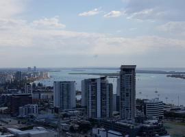 Luxury apartment with ocean, mountain view, Gold Coast (Southport yakınında)