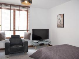 Szucha Apartment 4