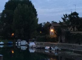 casa sul fiume, Cervignano del Friuli (Terzo d' Aquiléia yakınında)