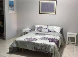 Raizy's Golan Guest Suite, Qasrîne