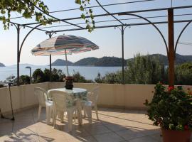 Apartments by the sea Ubli (Lastovo) - 8355