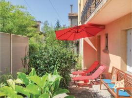 One-Bedroom Apartment in Crest, Крест (рядом с городом Grane)