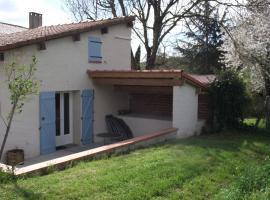 Holiday home Lusclade, Lescure-d'Albigeois (рядом с городом Valderiès)