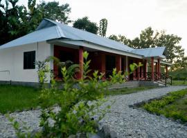 Villa De Hollong, Mādāri Hāt