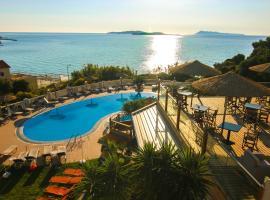 Terezas Hotel, Агиос Стефанос (рядом с городом Avliótai)