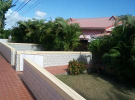 Villa HIBISCUS Pombiray, Pombiray (рядом с городом Gardel)