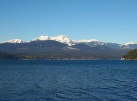 Union City Beach House at Hood Canal, Waterfront Vacation Rental, Union