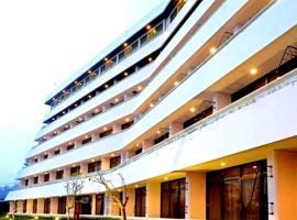 Surya Hotel & Cottages, Tretes (рядом с городом Lawang)