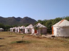 Bikamp Aravalli's Camp, Mairh (рядом с городом Bairāt)