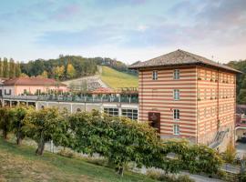 Hotel Diffuso Le Case dei Conti Mirafiore, Serralunga d'Alba (Sorano yakınında)