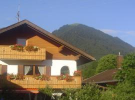 Gästehaus Peter Wiedemann, Lenggries (Fall yakınında)