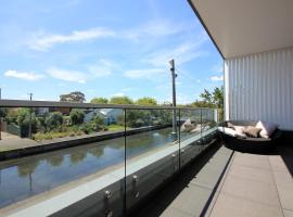 Cantik by The Canal - Rejuvenate Stays, Melbourne (Elwood yakınında)